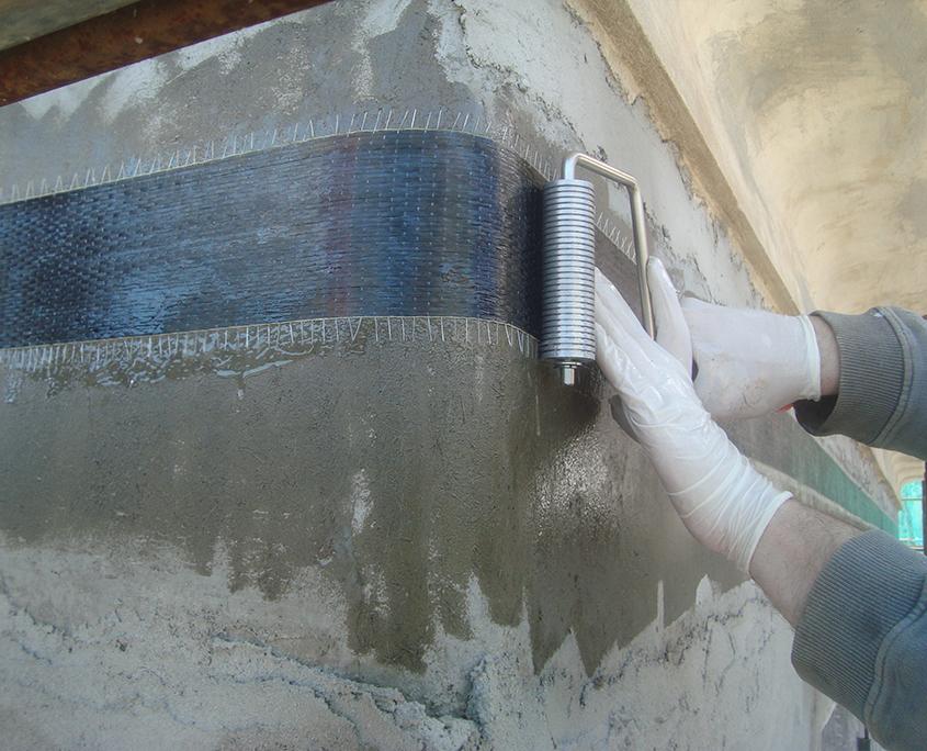 Confinamento di piano con fibre di carbonio